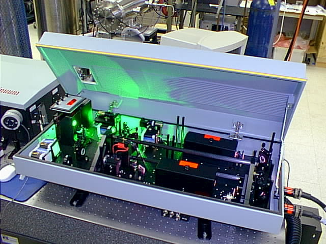 ndyag laser machine showing the insides