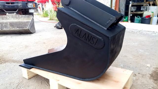 Custom excavator bucket