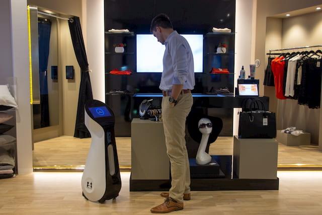 AI robot providing customer service