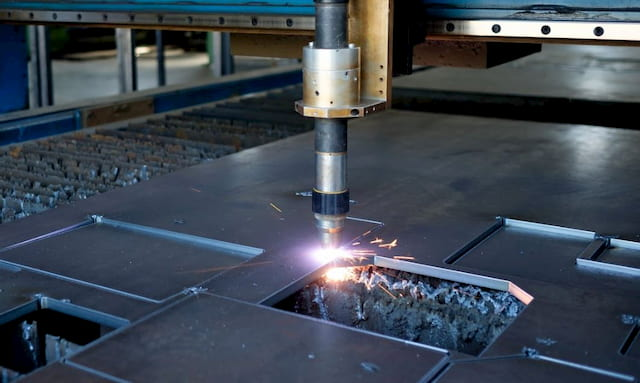 How Plasma Cutting Works? Advantages & Disadvantages