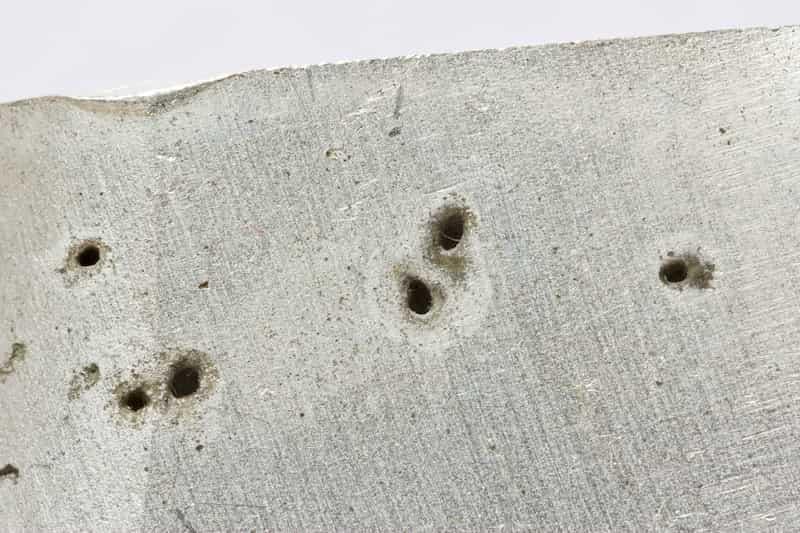 corrosion par piqûres d'aluminium